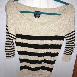 AE 3/4 Sleeve sweater